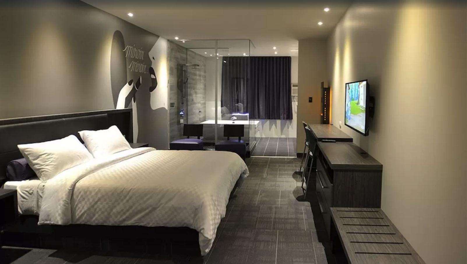suite-un-lit-queen-hotel-laval