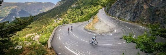 panorama-bourg-oisans-isere-alpes-d'huez