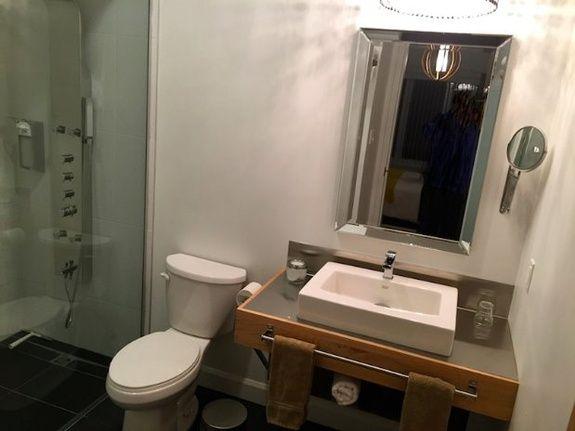 hydrobase_chambre_203_salle_de_bain