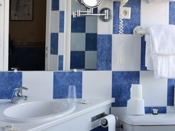 hotel-blois-centre-anne-de-bretagne-salle-de-bain