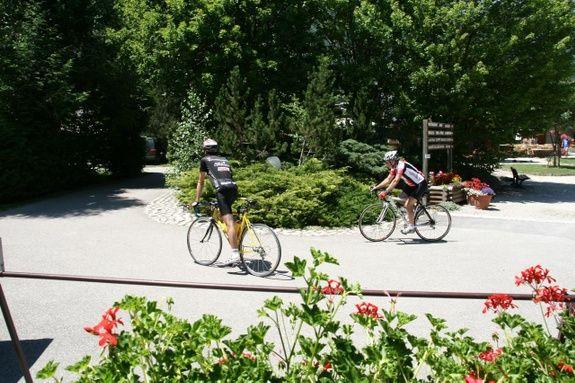 Vélo camping colporteur alpe huez isere