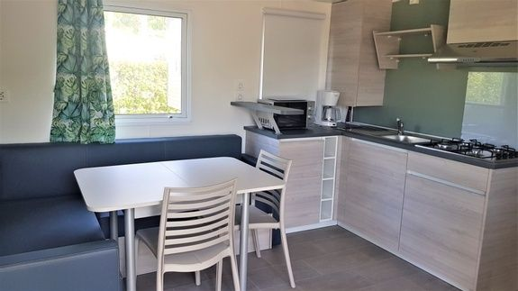 Espace Premium - kitchenette camping familial piscine fayence var provence