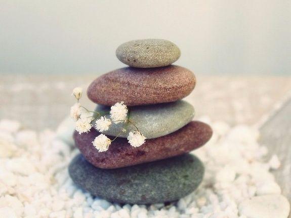 yin-institut-mathieu-calvados-soins-visage-pierres