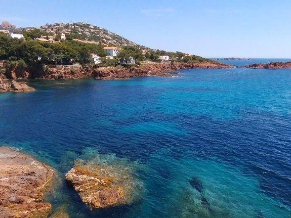 Calanques-du massif de L'Esterel-sur la route de Cannes- au départ de La Potinière-gîte-location de vacances- Saint Raphael- Fréjus