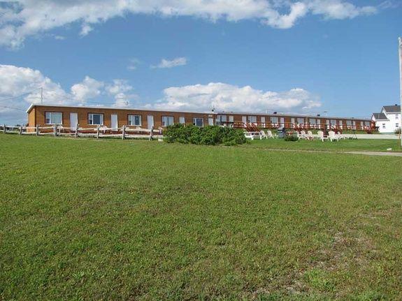 hébergement-parc-forillon-motel-vue-extérieure