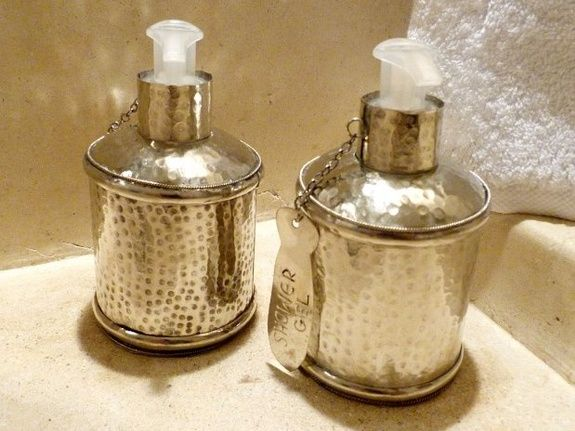 produits de courtoisie salle d'eau riad chamali medina marrakech maroc