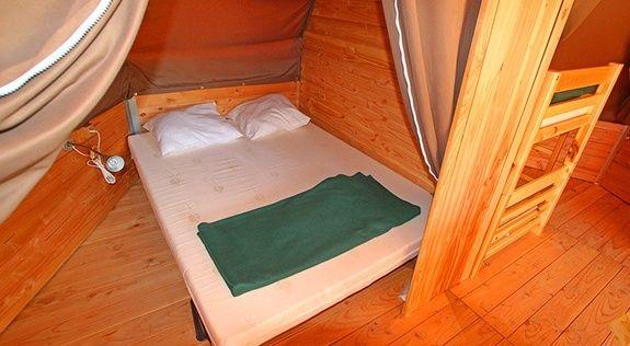 TIPI insolite bords de lac Drome chambre
