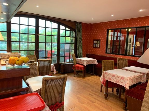 hotel-anne-de-bretagne-blois-blois-centre-ville-salle-petits-dejeuners