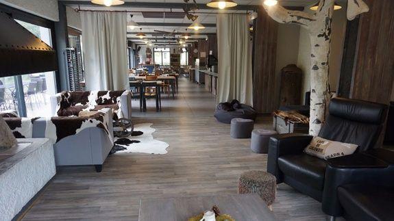 hotel-dans-le-Vercors-salon-cheminee