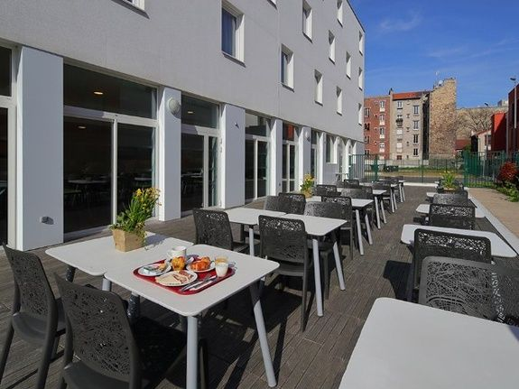 hotel-paris-saint-ouen-terrasse-restaurant