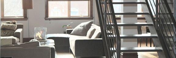 fabricant-escalier-metal-bois-design-canape-coussin-table-fenetre