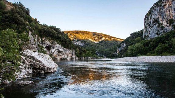 Fleuve Camping des tunnels Ardèche