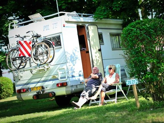 camping car camping rocamadour Lot camping-car piscine