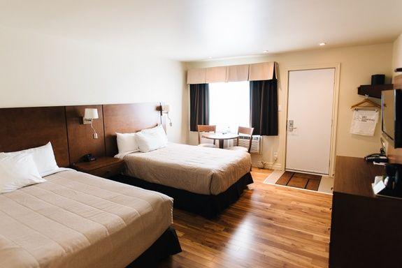 Hotel-centre-ville-rouyn-noranda-classique-1
