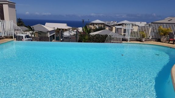 location-saisonniere-reunion-particulier-eden-appartement-piscine
