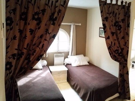 Chambre-gîte-studio-apparement meublé-pour les vacances-saint raphael-fréjus-var