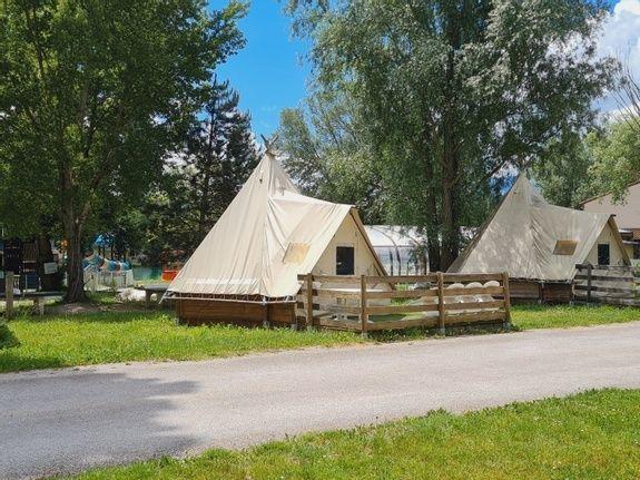 Tipi Toilé camping vercors drome piscine chauffée lac (7)
