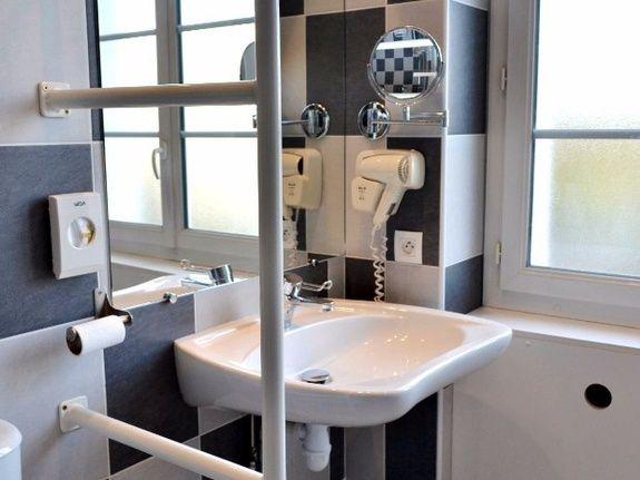 hotel-blois-centre-anne-de-bretagne-salle-de-bains