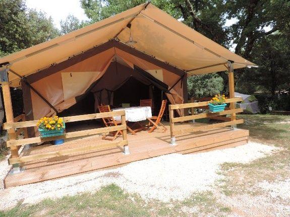 tente lodge camping piscine familial proche ardeche
