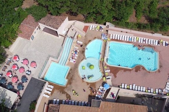 espace aquatique bassin piscine