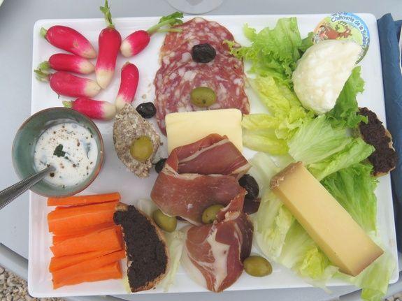 Assiette fromage et charcuterie
