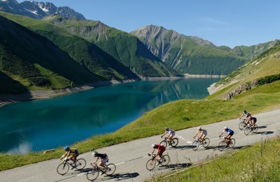 vélo de route alpe d'huez isere
