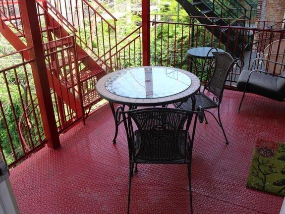 hotel-appartement-palais-des-congres-montreal-terrasse-jardin