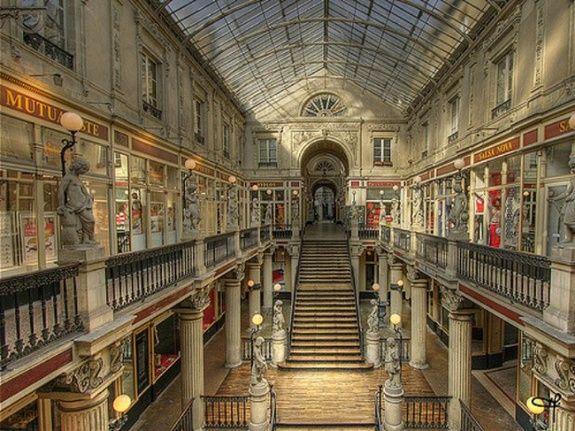 hotel-centre-ville-nantes-passage-pommeraye