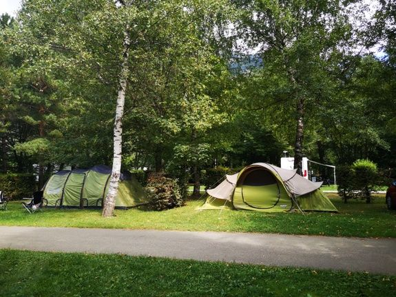 Emplacement camping familial montagne Alpes d'Huez
