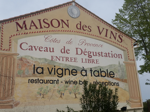 Maison des vins a 30mn de chambres d'hotes et location La Potinière de St Raphael