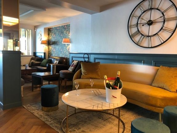 bar-lounge-pontleveque-normandie