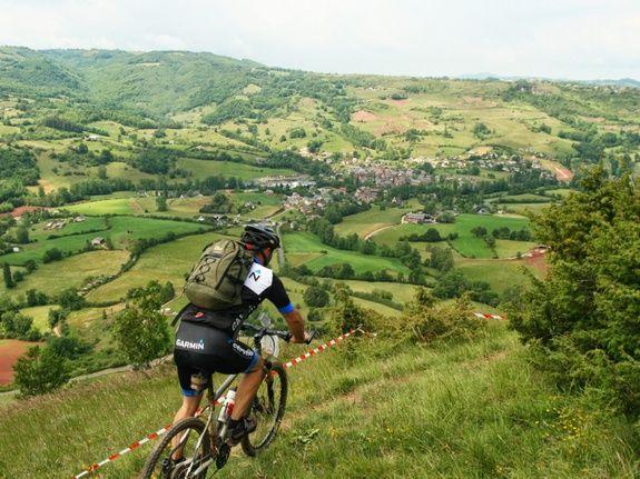 fietsen op hoogvlaktes en door diepe kloven