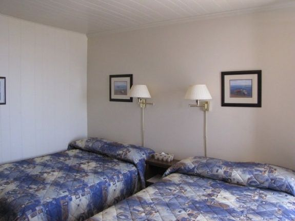 hebergement-parc-forillon-chambre-deux-lits-doubles