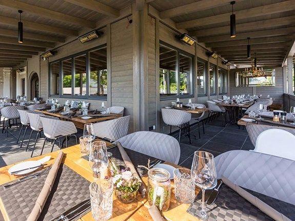 table club house