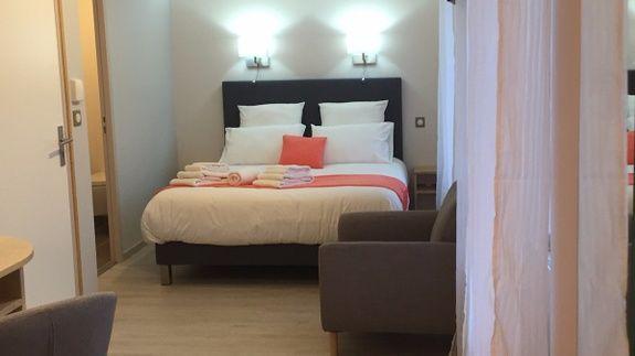 lit double hotel le bout du monde Saint-Flour