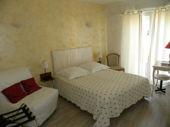 double room village side 140cm bed