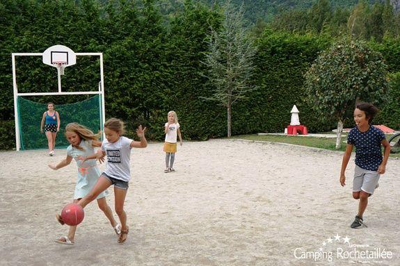 terrain-multi-sport-camping-bourg-oisans