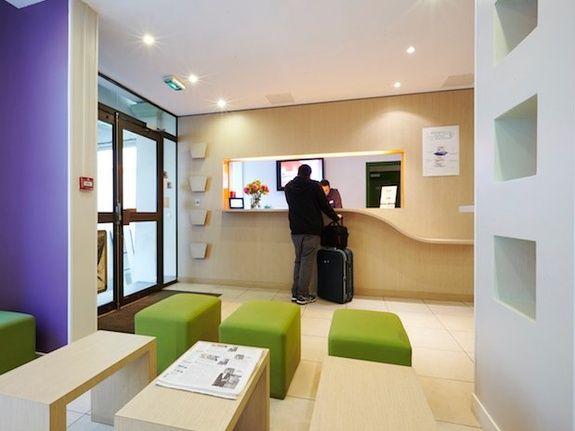 hall hotel Kyriad Paris canal saint martin