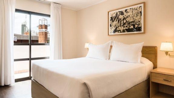 10 Habitación Standard Matrimonial - Days Inn Montevideo