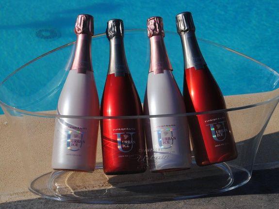 baroville-champagne-urbain-pere-fils-bouteille-piscine