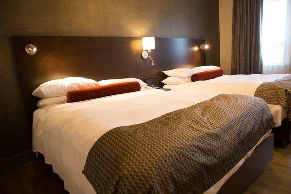 hotel-iles-de-la-madeleine-auberge-madeli-chambres-regulieres-lit-queen
