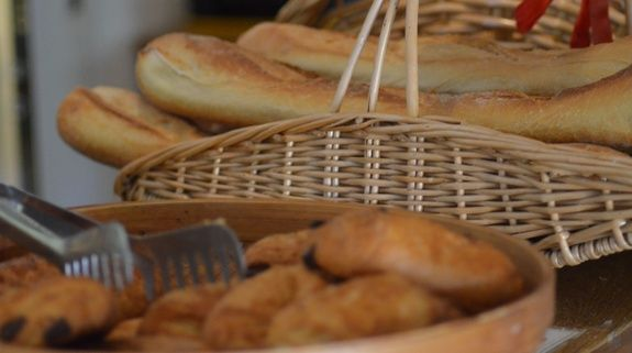 pain-viennoiseries-services-meze