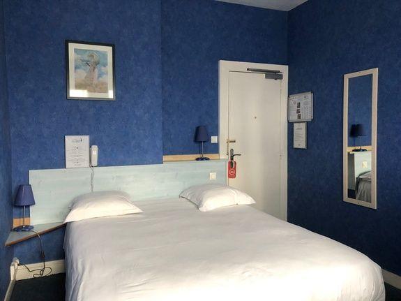 chambre double superieure-hotel-anne-de-bretagne-blois-centre ville-2 personnes