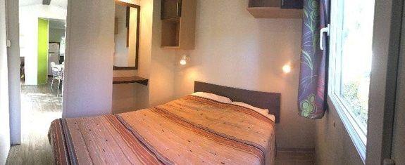 loggia confort chambre camping familial piscine Aveyron lac de pareloup