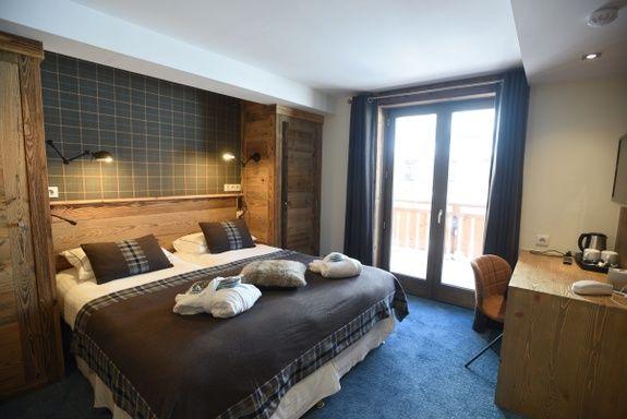 hotel-bas-des-pistes-val-isere-chambre-classique-vue