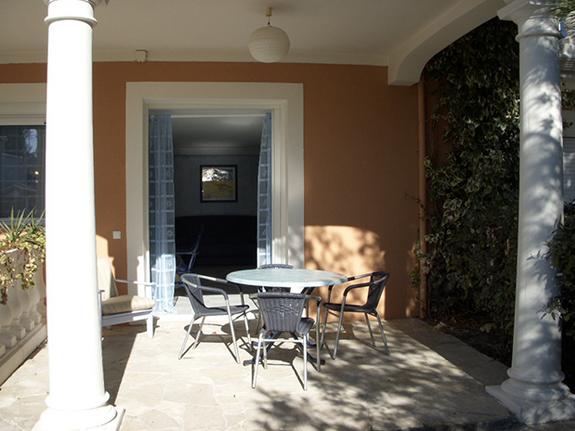 chambres-d-hotes-a-Saint-Raphael-Frejus-salon-extérieur