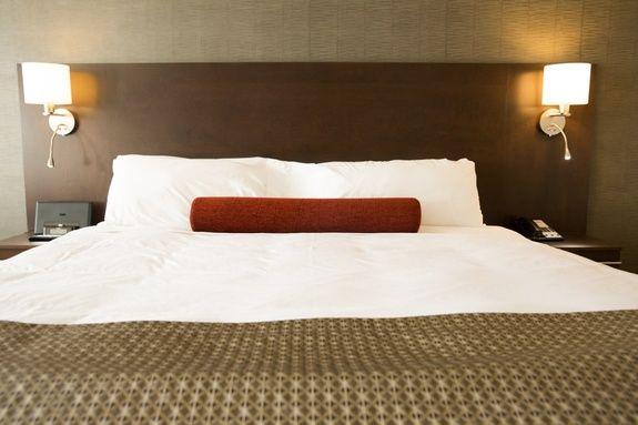 hotel-iles-de-la-madeleine-auberge-madeli-chambre-executive-grand-lit