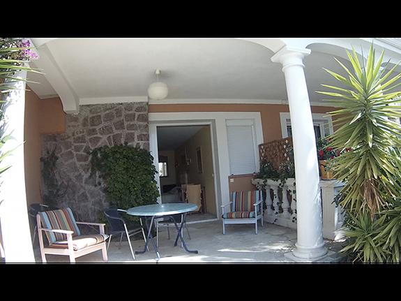 chambres-d-hotes-a-Saint-Raphael-Frejus-salon-exterieur