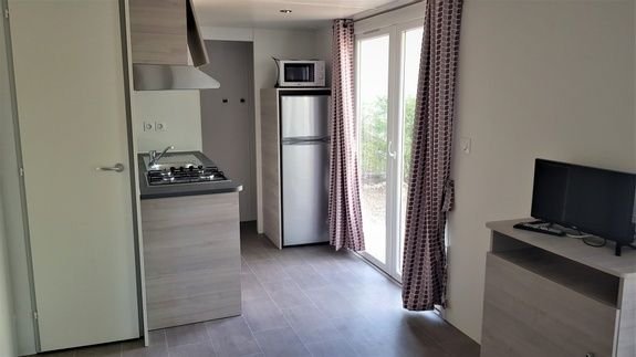 New Loggia Premium 29m² - kitchenette camping familial piscine fayence var provence