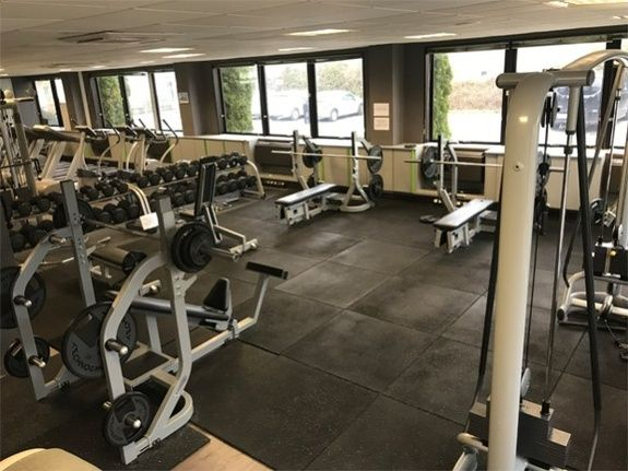 Inside the athletes besançon fitness salle musculation